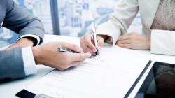 Адвокатом бюро подготовлен проект договора, который в полной мере удовлетворил потребности Доверителя