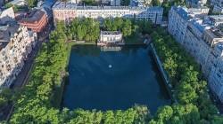 Адвокат выиграл спор об элитной квартире в центре Москвы в пользу наследника.
