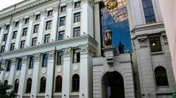 22 июня 2021 года адвокаты Бюро Бардуков Е.А. и Оников Т.Л. в Верховном суде РФ добились отмены незаконных постановлений нижестоящих судов, которыми договор купли-продажи жилого помещения был признан недействительным, что неизбежно влекло выселение Доверителей из единственного жилья. Адвокаты вступили в дело на стадии апелляционного обжалования и строили свою позицию на соотношении норм о виндикационных и негаторных исках, настаивали на необходимости восстановления нарушенного баланса интересов сторон.   Н